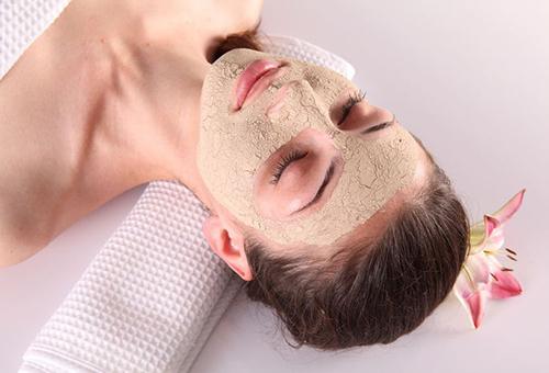 Подтягивающая маска из глины