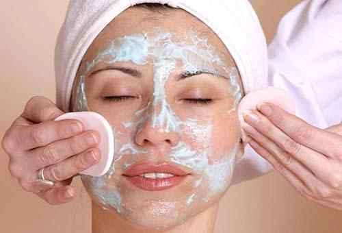Маски для улучшения состояния кожи комбинированного типа