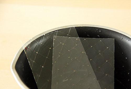 Листовой желатин в чаше