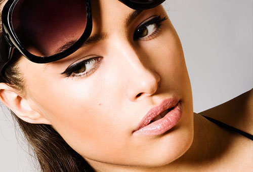 Профилактика отечности области вокруг глаз - защита от солнца