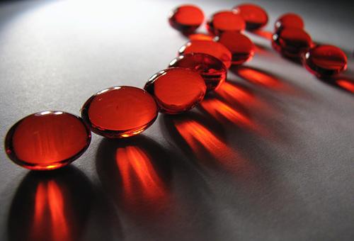 Витамины в капсулах против угревой сыпи