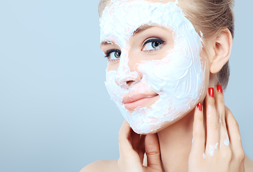 Мягкая отбеливающая маска для лица