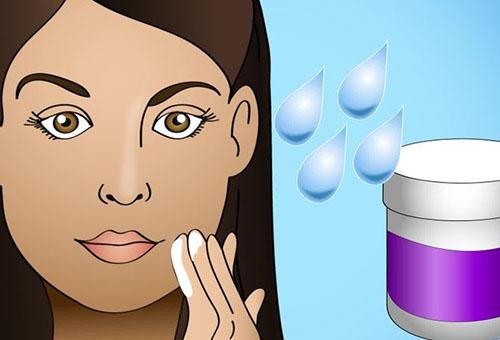 Нанесение основы под корректирующий макияж