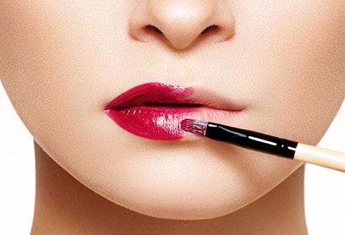 Классический макияж для увеличения губ